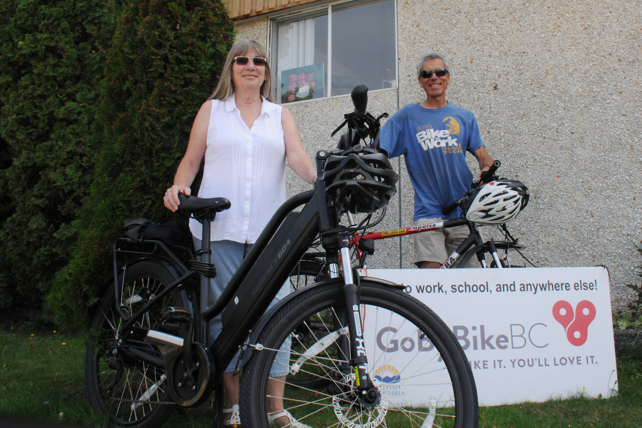 Go By Bike coordinators Candyse Roberts and John Mayba are ready for Go By Bike Week starting Sept. 28. (SUSAN QUINN / ALBERNI VALLEY NEWS)